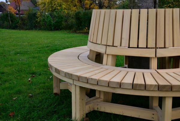 Baumbank aus Robinienholz